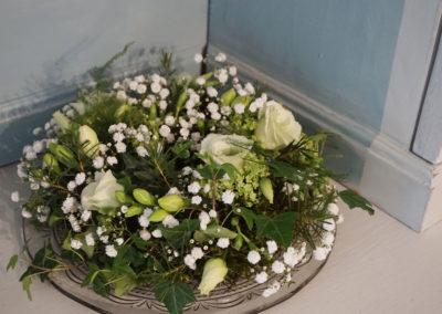 auf Bestellung Blumenkranz gesteckt