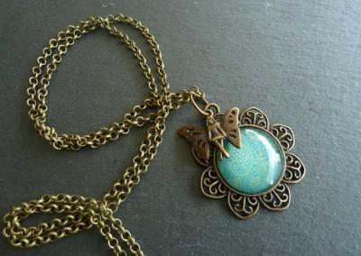 Halskette mit hübschem Anhänger mit Elfe